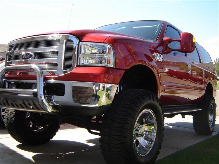 Ford Excursion red #2