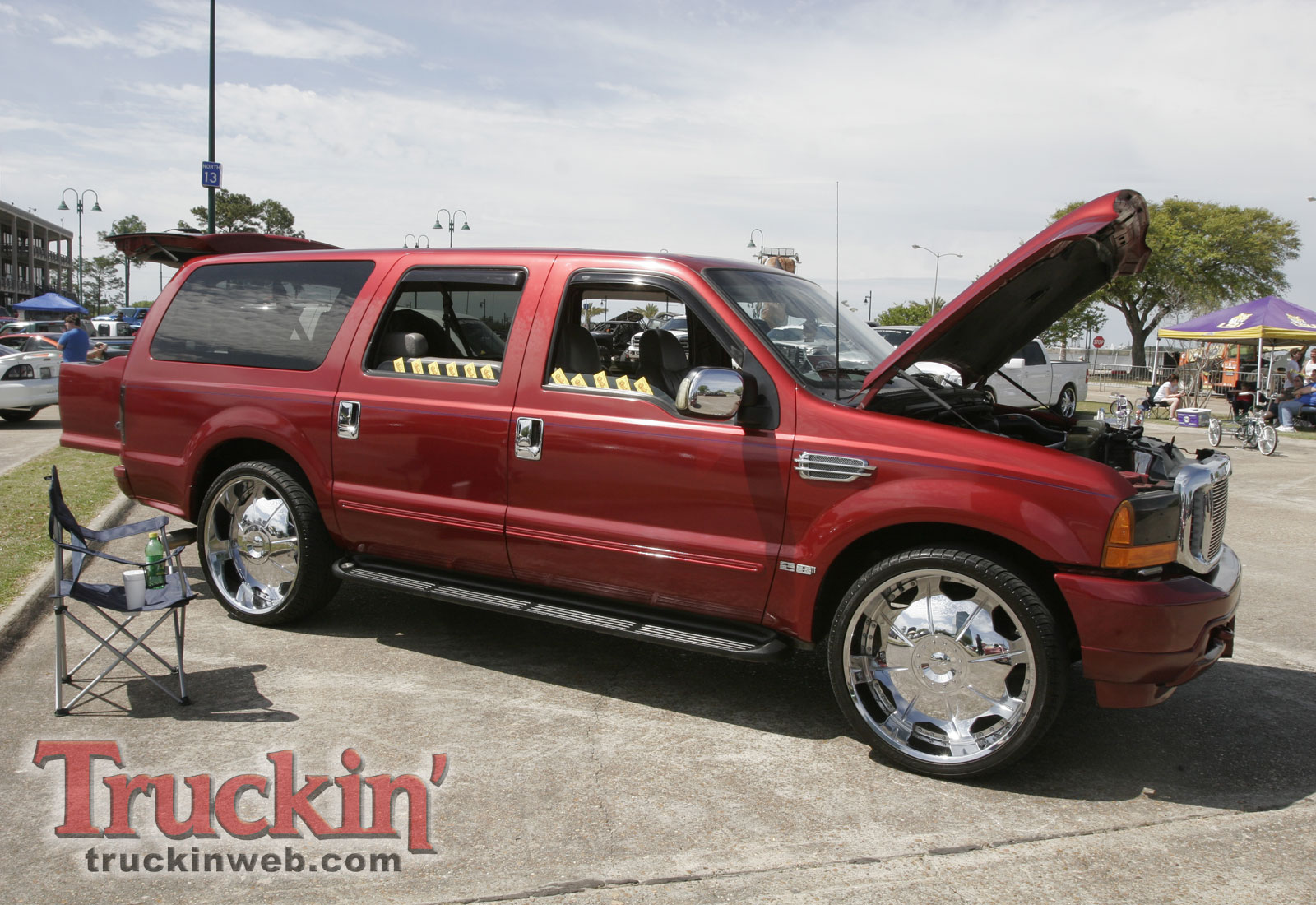 Ford Excursion red #3