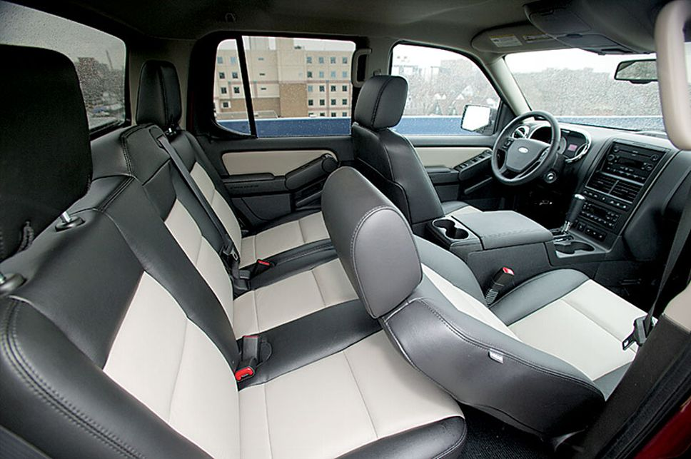 Ford Explorer Sport Trac interior #4