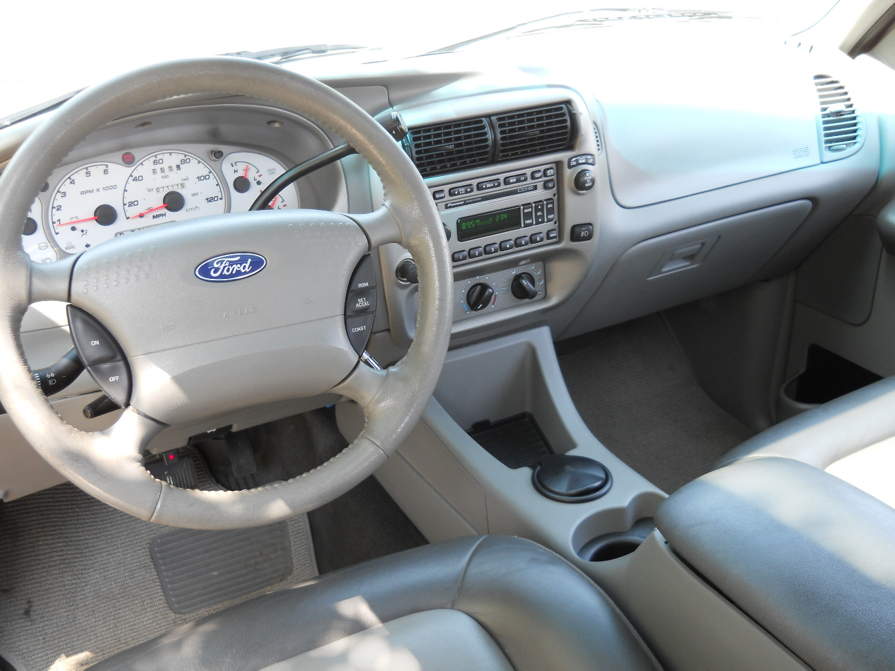 Ford Explorer Sport Trac interior #1