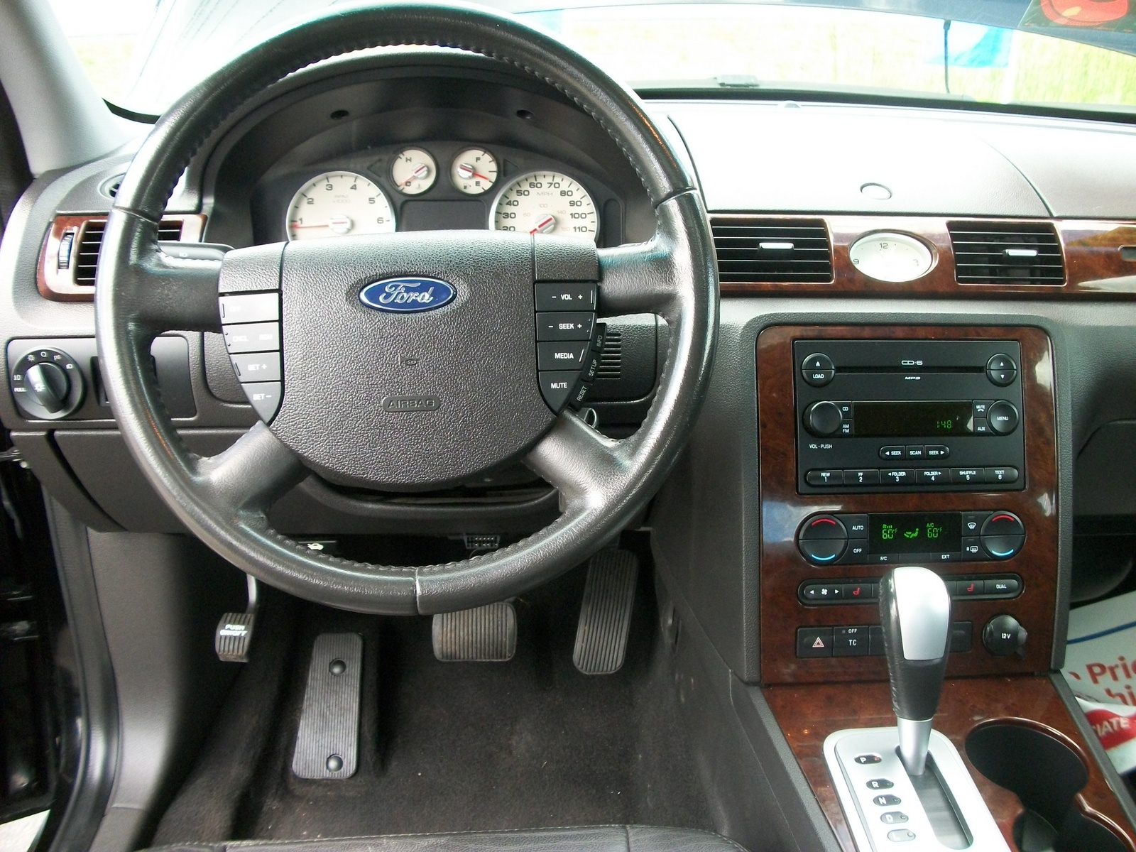 Ford Five Hundred interior #2