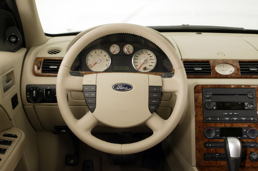 Ford Five Hundred interior #4