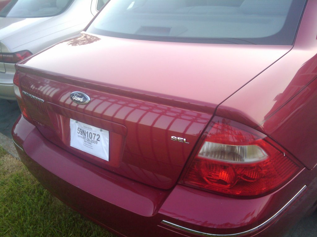 Ford Five Hundred red #2