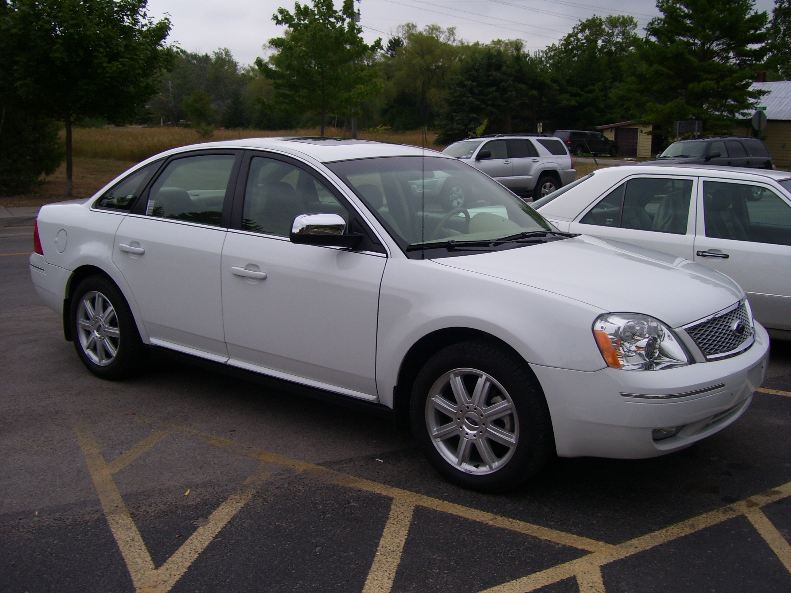Ford Five Hundred white #2