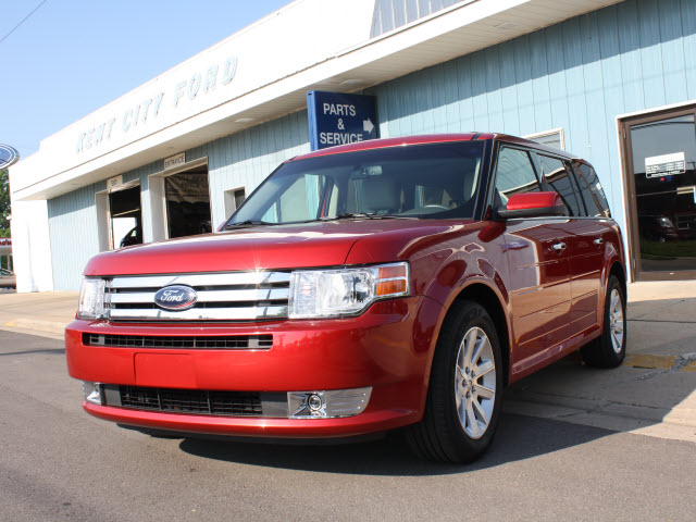Ford Flex red #3