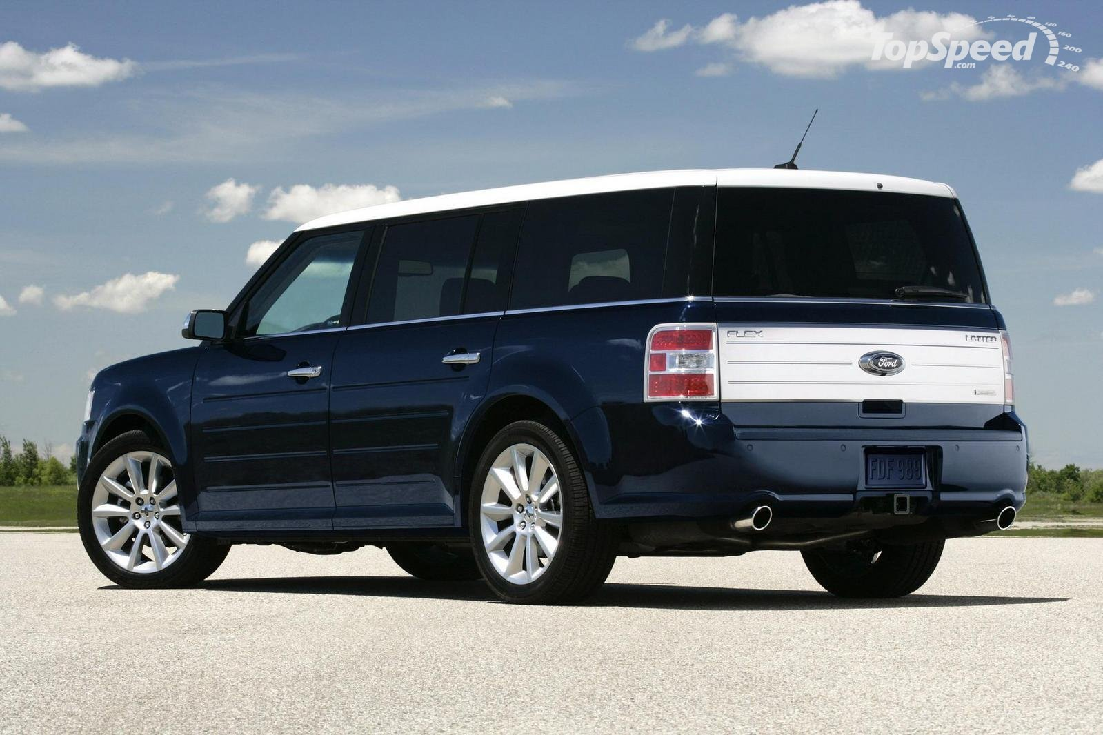 Ford Flex white #3