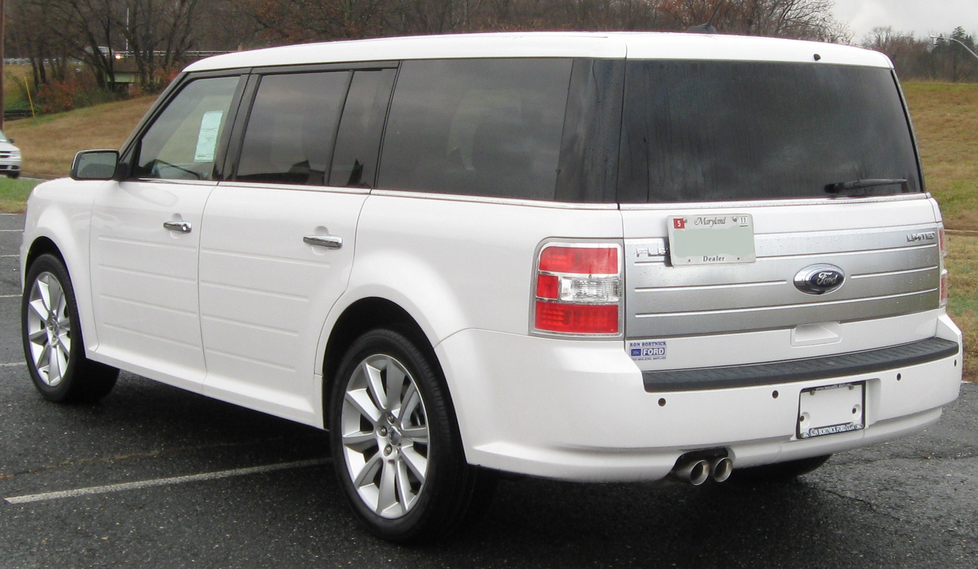 Ford Flex white #1