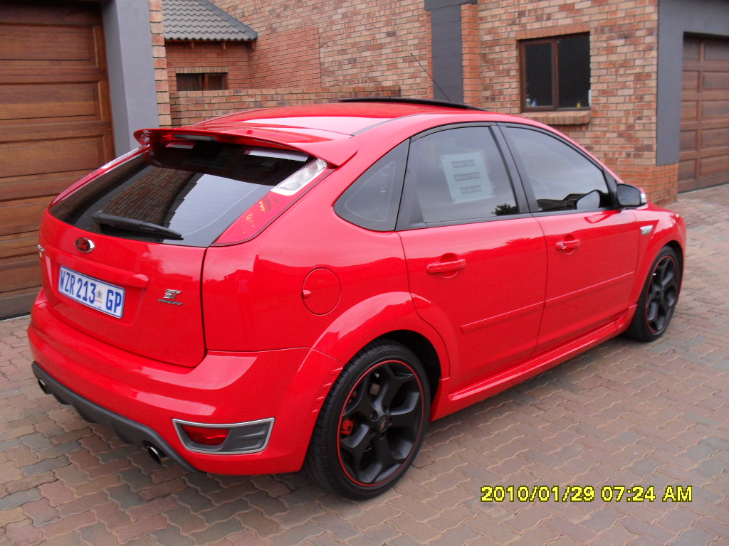 Ford Focus ST red #3