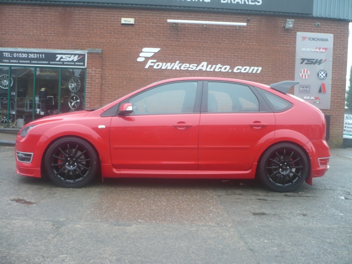 Ford Focus ST red #4