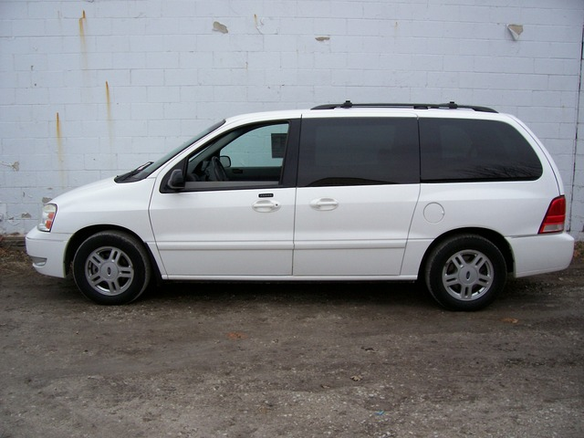 Ford Freestar white #4