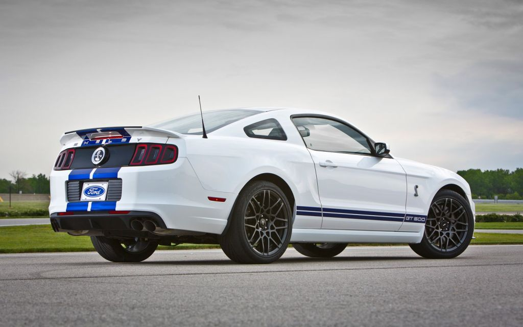 Ford Shelby GT500 white #4