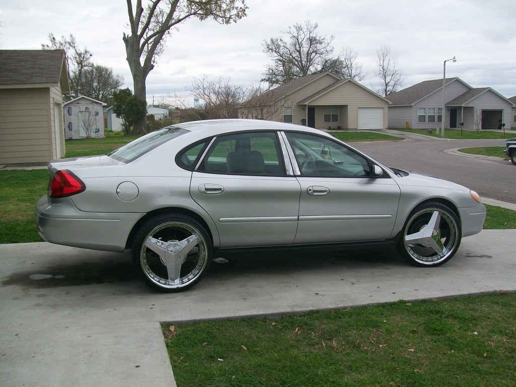 Ford Taurus wheels #1