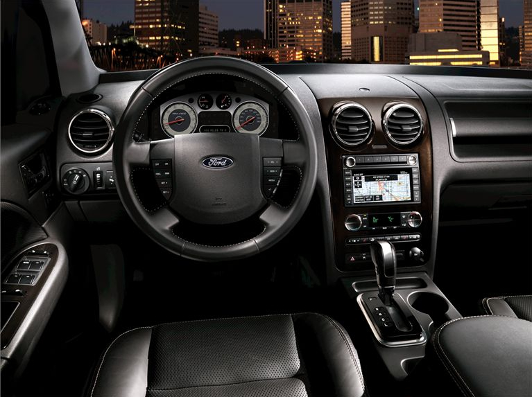 Ford Taurus X interior #2