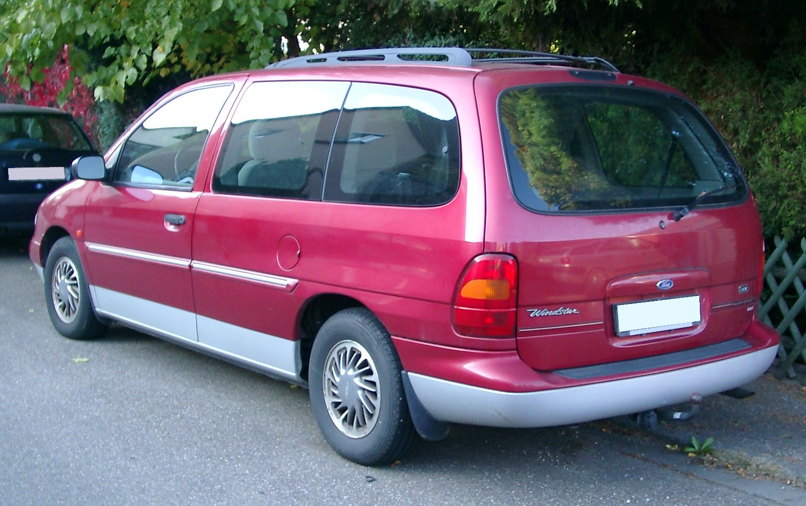 Ford Windstar red #2