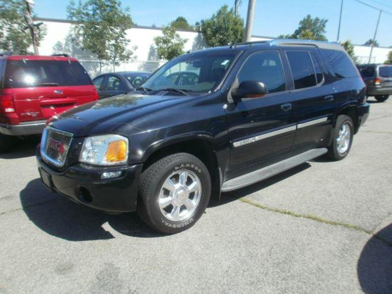 GMC Envoy XUV black #2