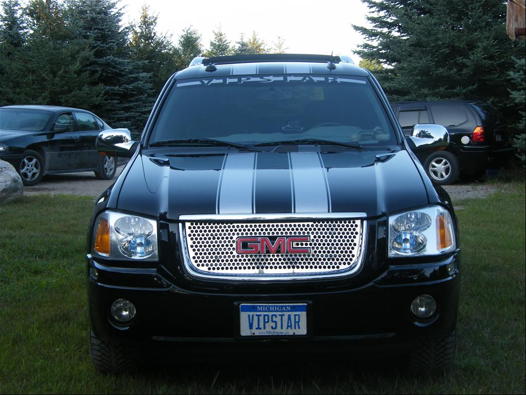 GMC Envoy XUV black #1