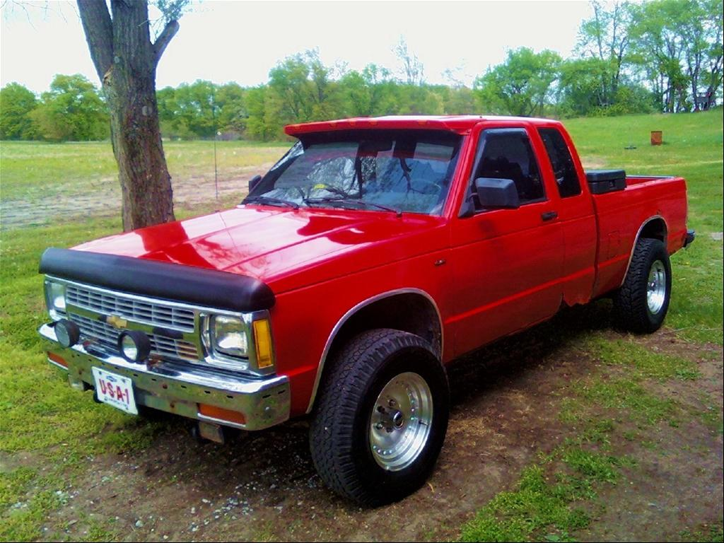 GMC S-15 red #1