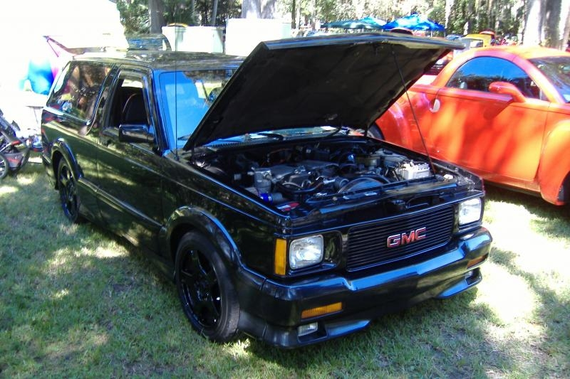 GMC Typhoon black #3