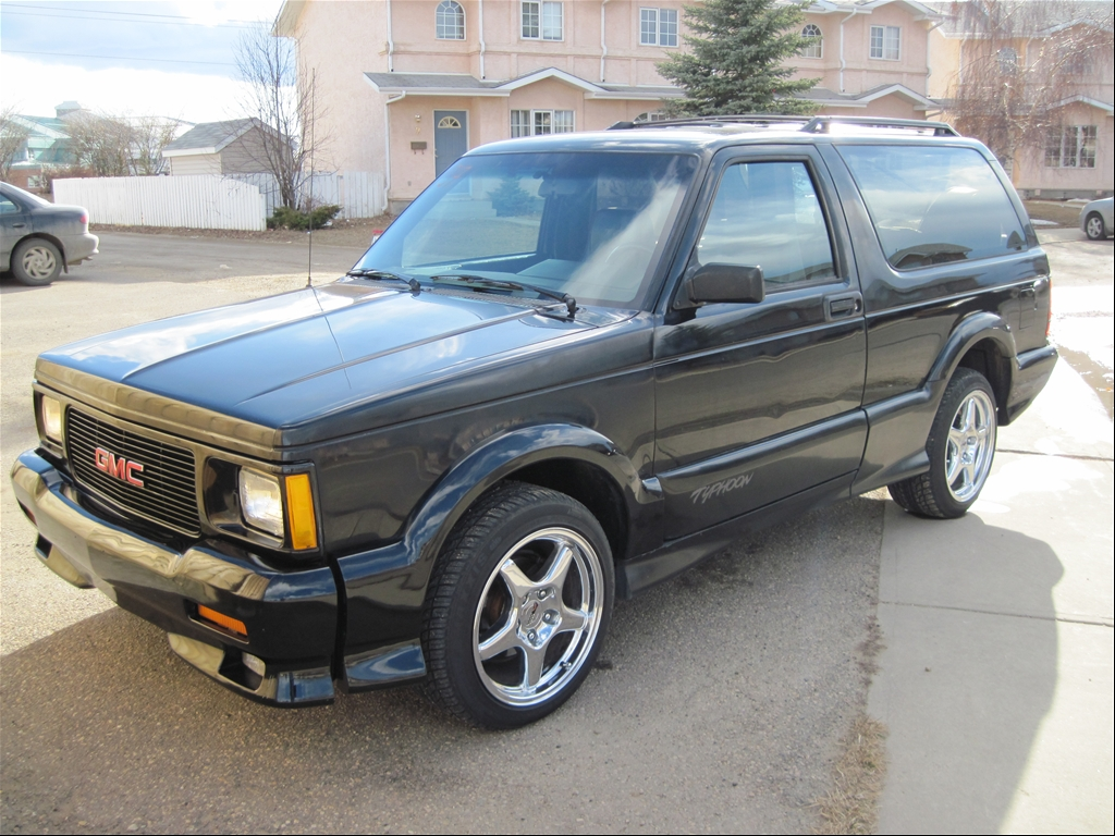 GMC Typhoon black #4