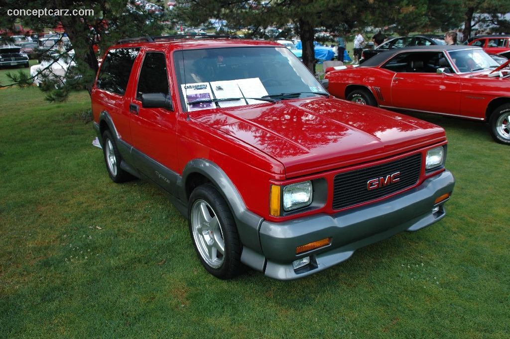 GMC Typhoon red #2