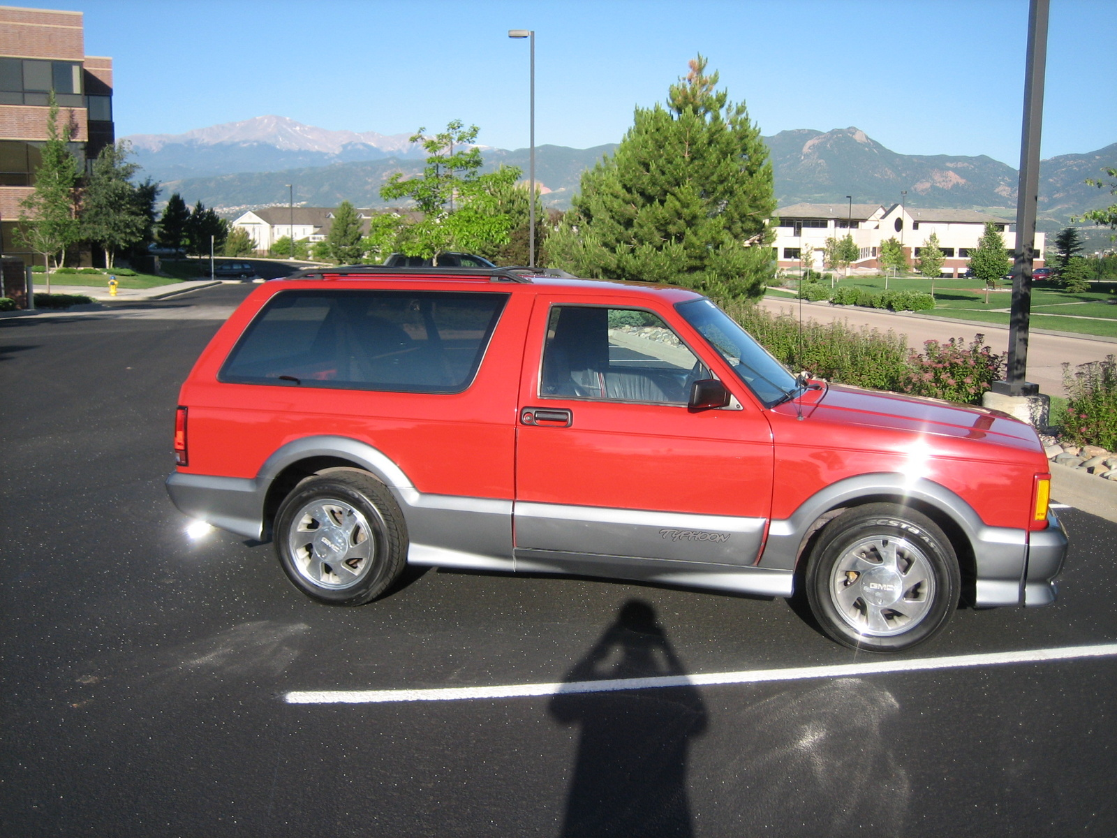 GMC Typhoon red #3