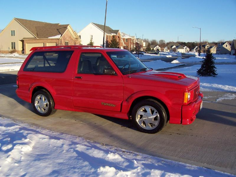 GMC Typhoon red #4