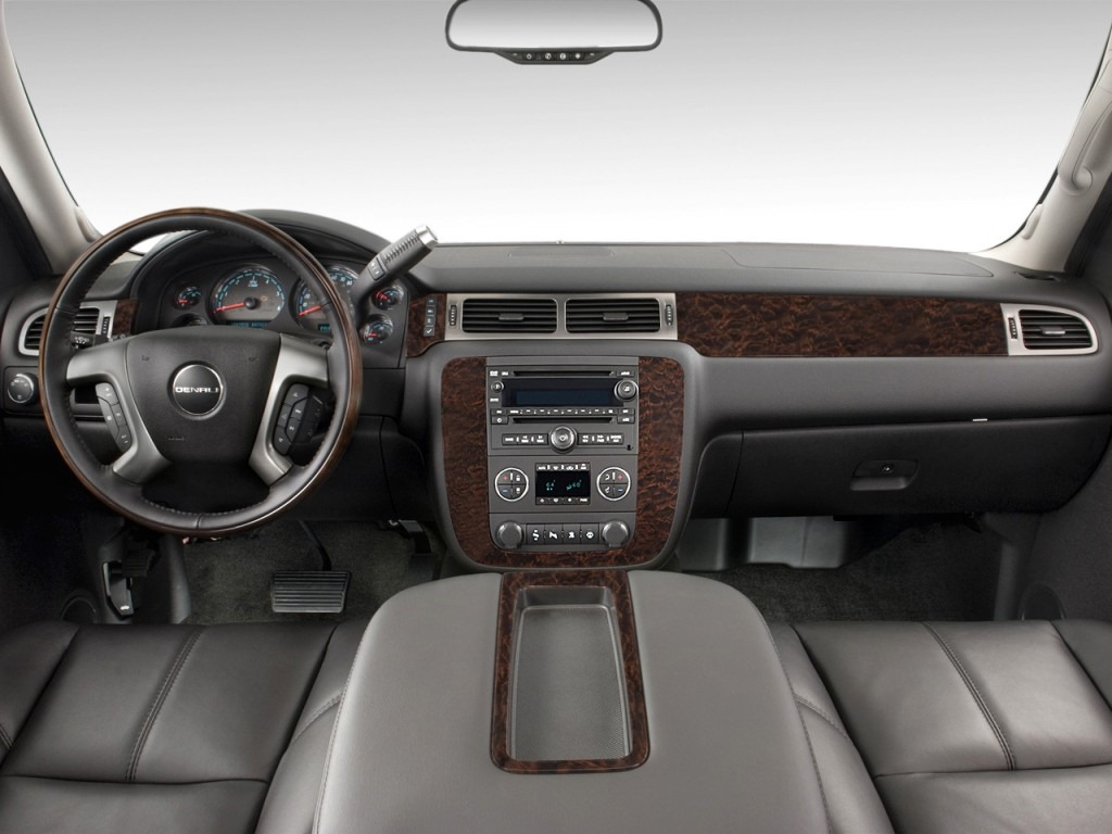 GMC Yukon XL interior #2