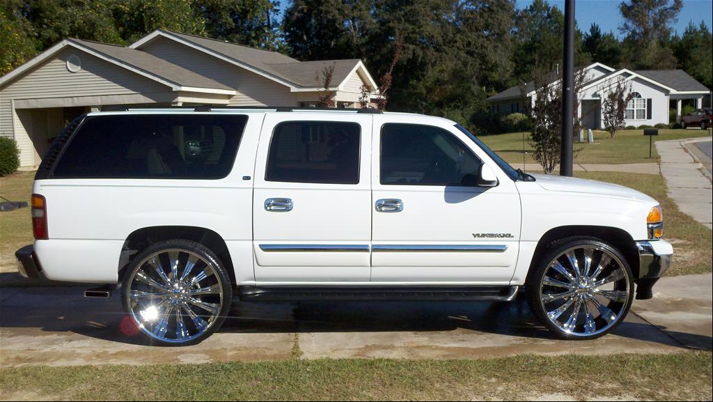 GMC Yukon XL white #1