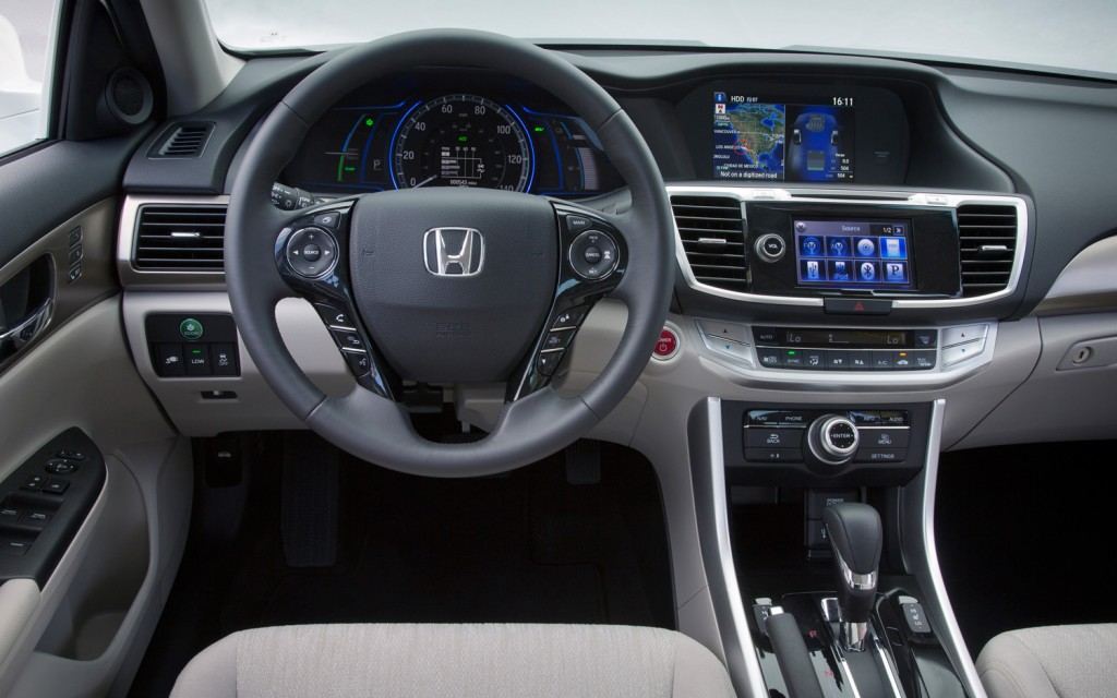Honda Accord Plug-In Hybrid interior #2