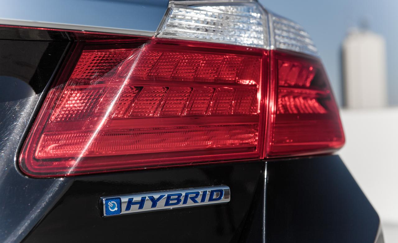 Honda Accord Plug-In Hybrid red #3