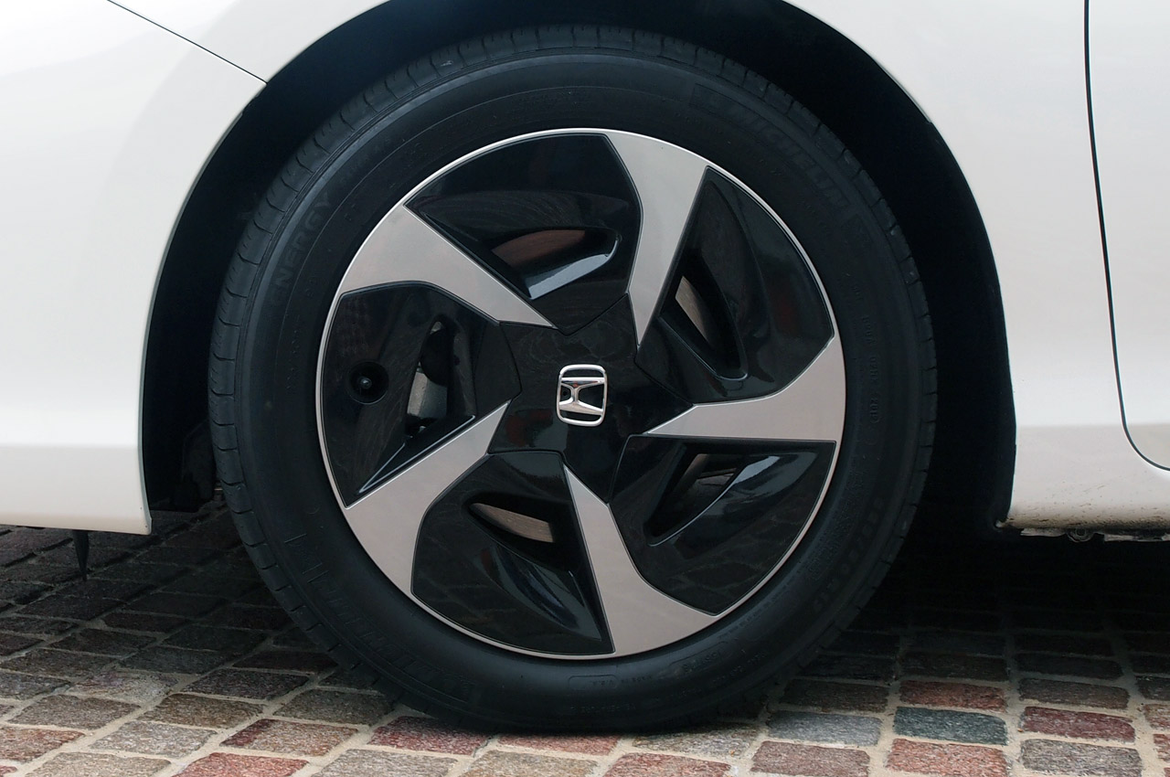 Honda Accord Plug-In Hybrid wheels #1