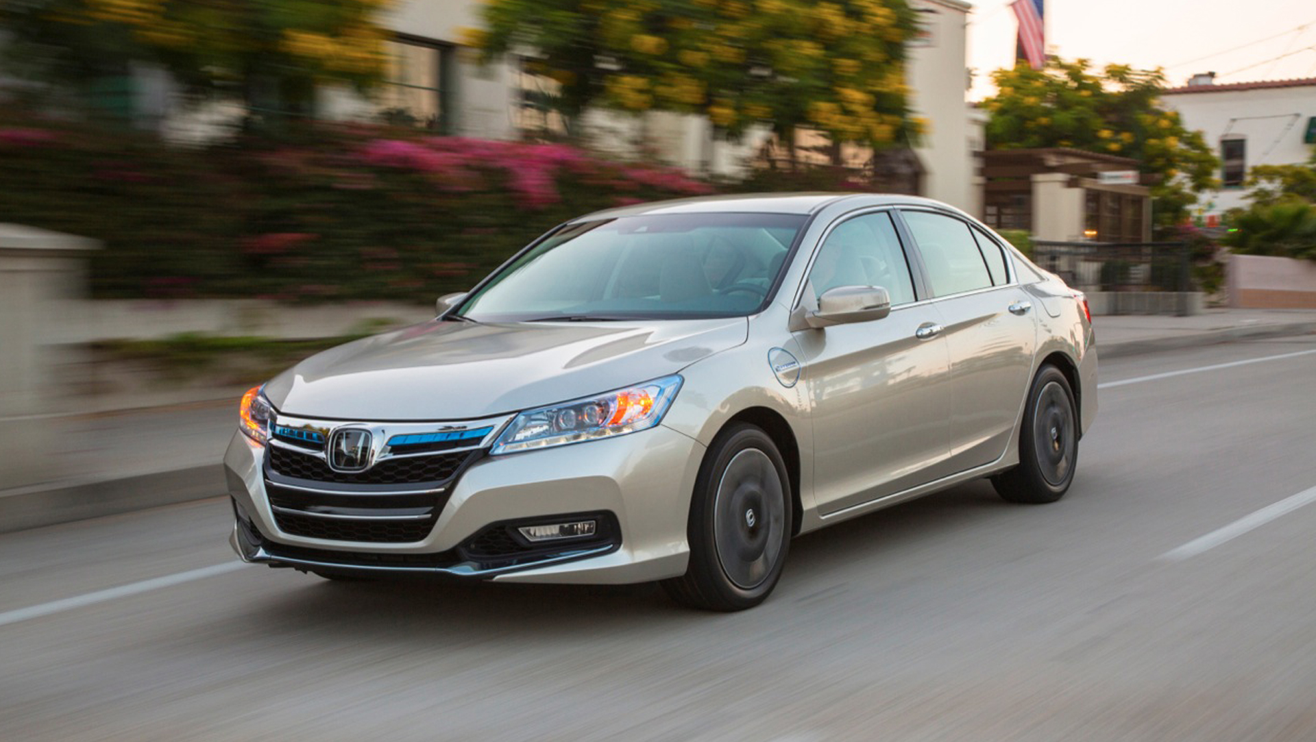 Honda Accord Plug-In Hybrid white #4