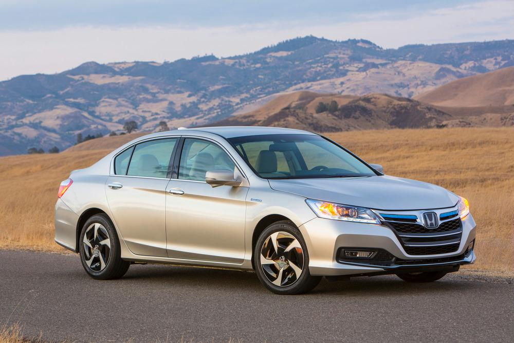 Honda Accord Plug-In Hybrid white #1