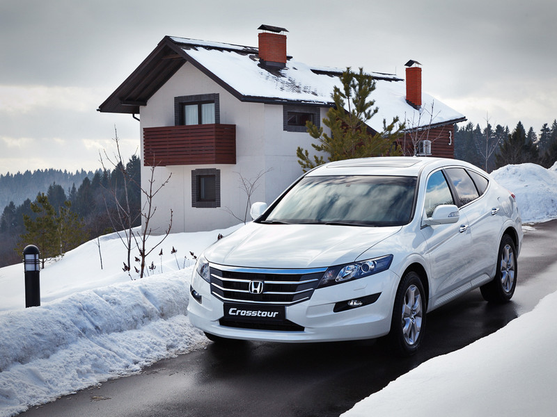Honda Crosstour white #2