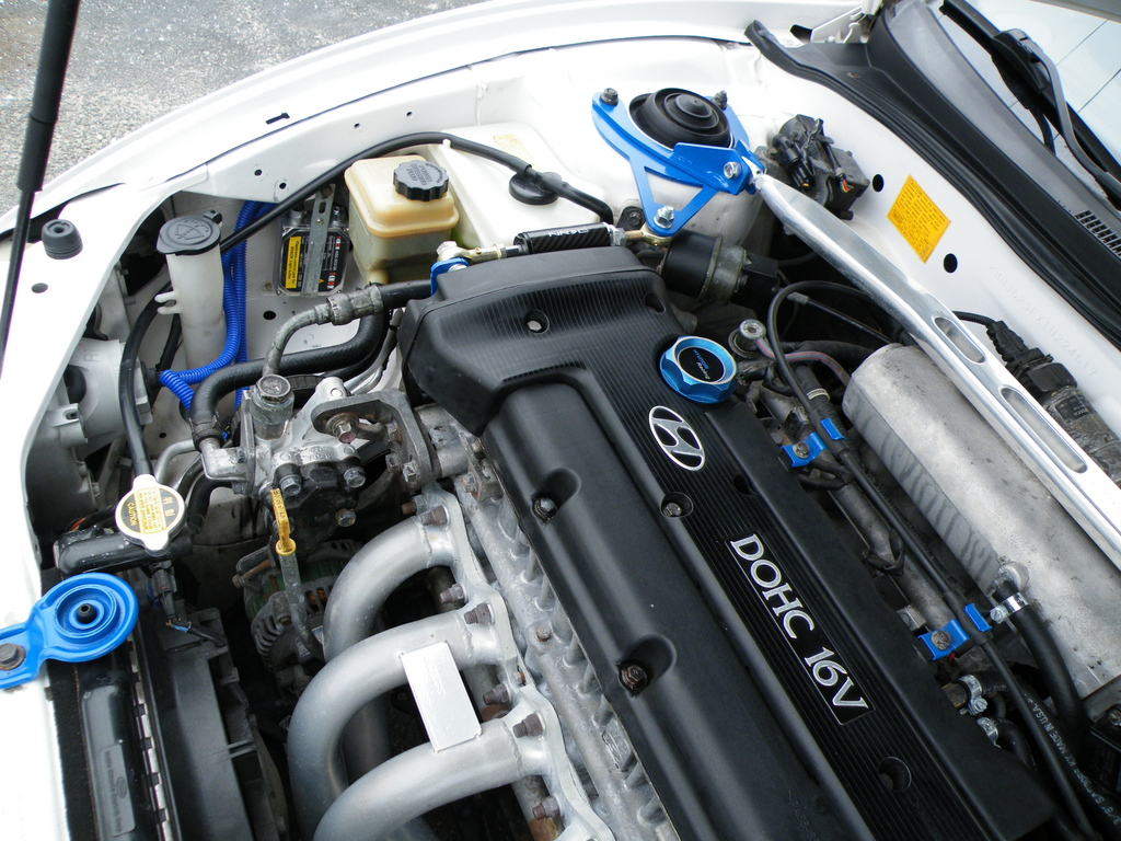 Hyundai Tiburon engine #4