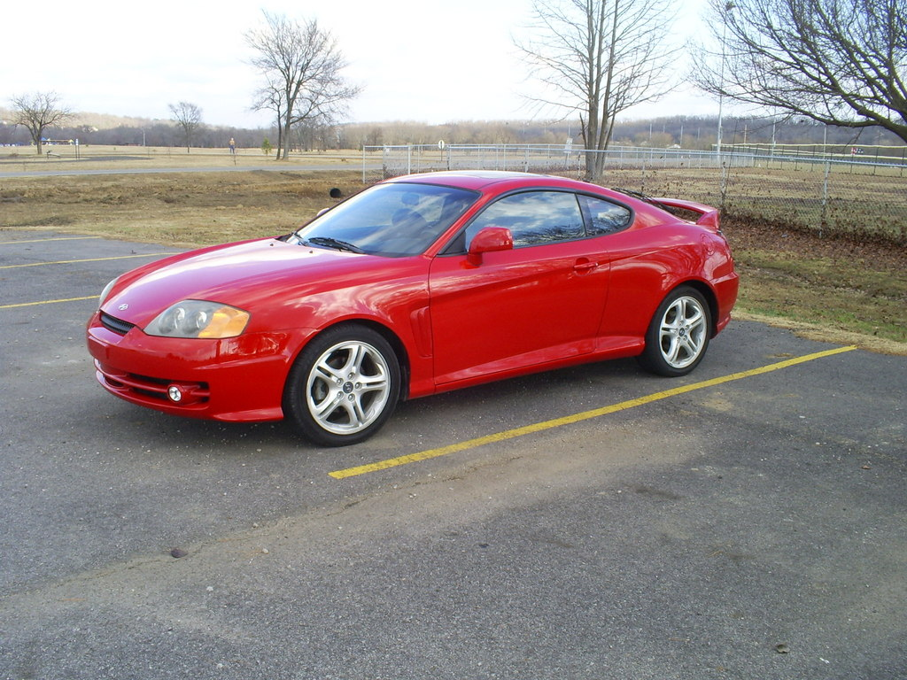 Hyundai Tiburon red #2
