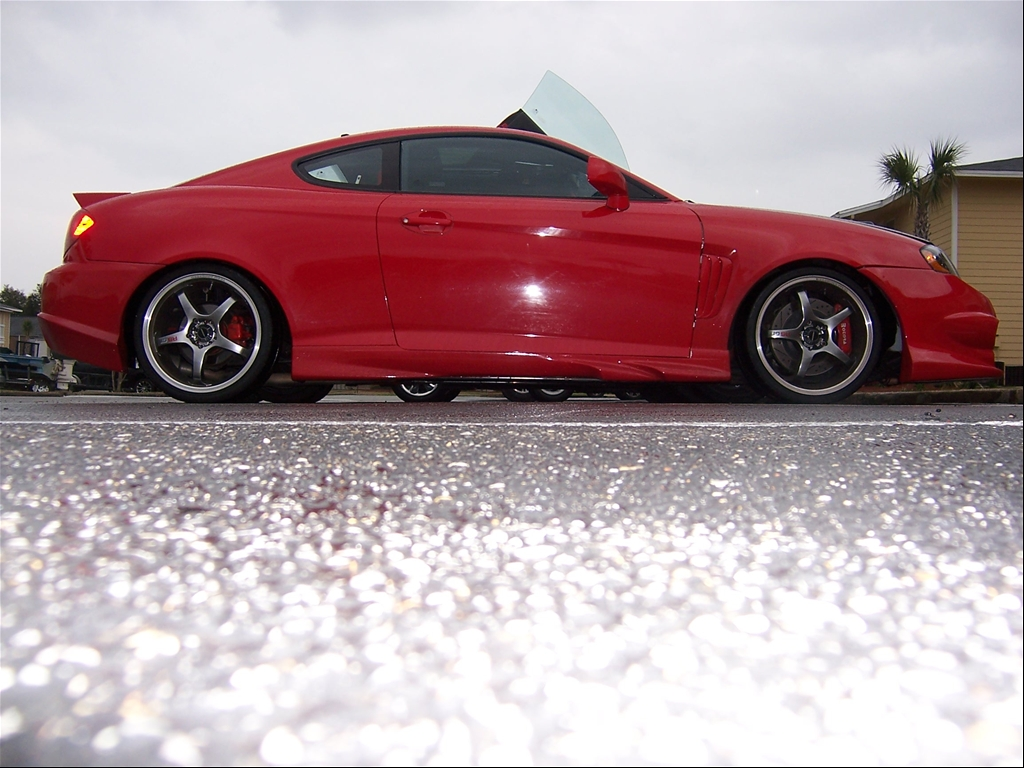Hyundai Tiburon red #3