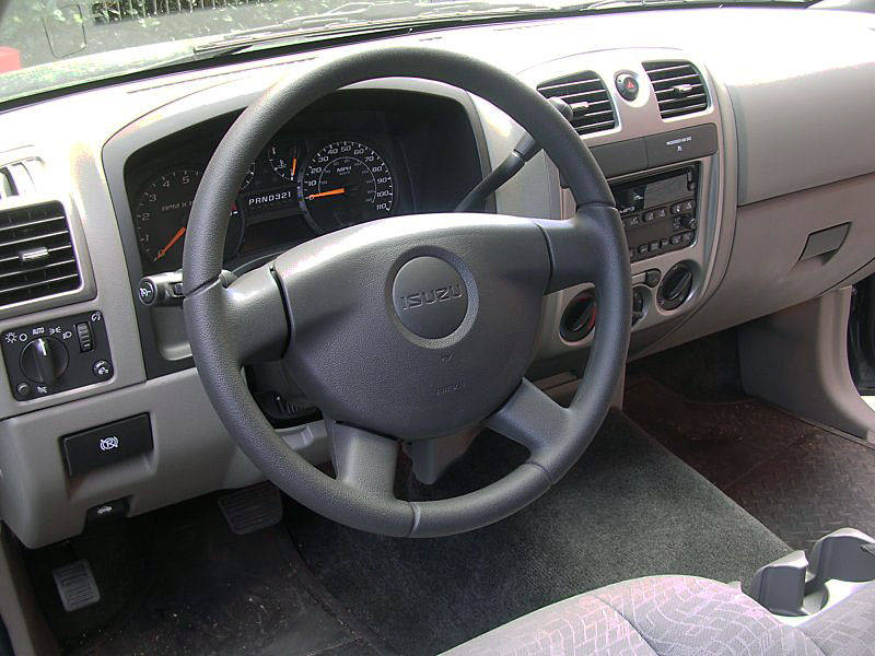 Isuzu i-Series interior #4