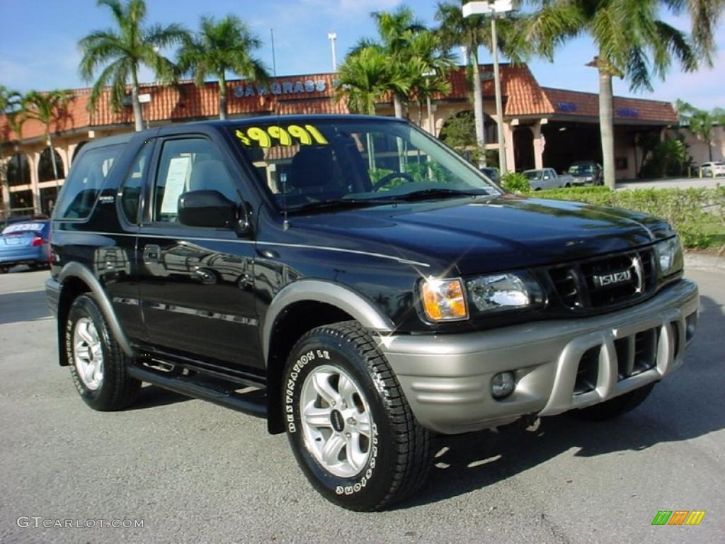 Isuzu Rodeo Sport black #3