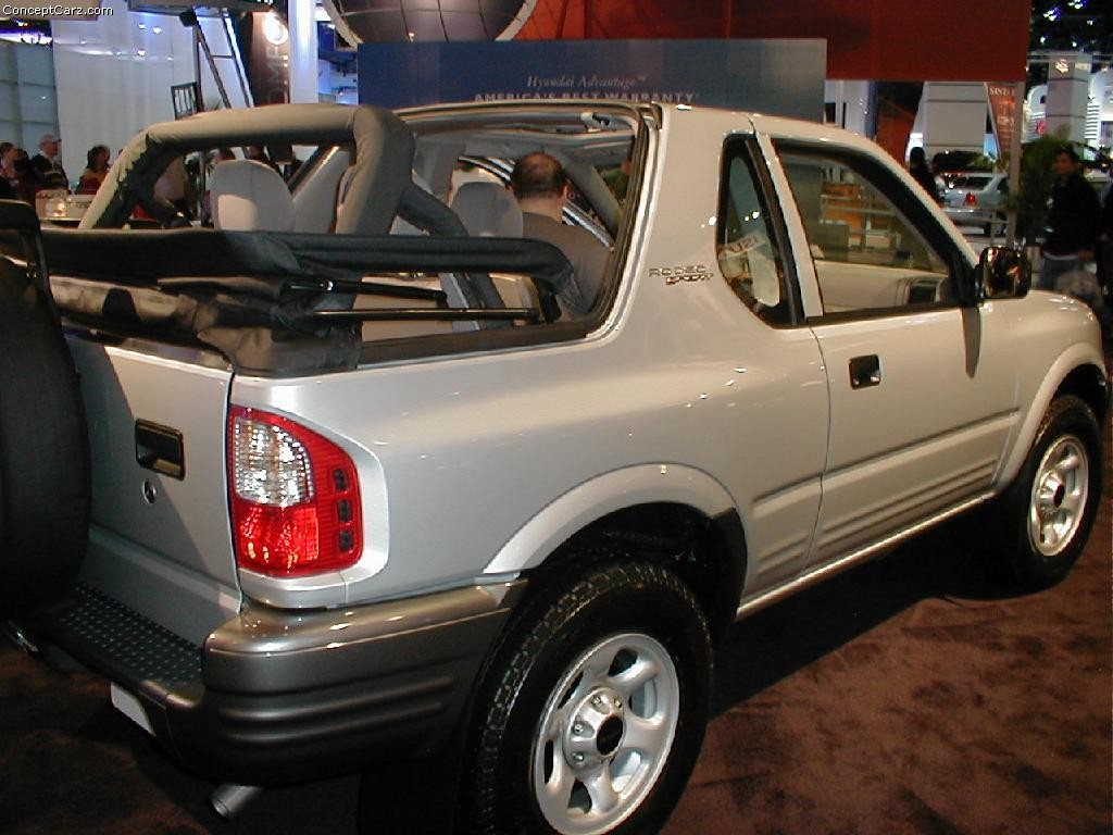 Isuzu Rodeo Sport interior #1