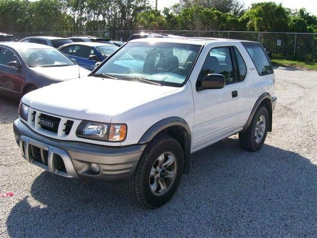 Isuzu Rodeo Sport white #1