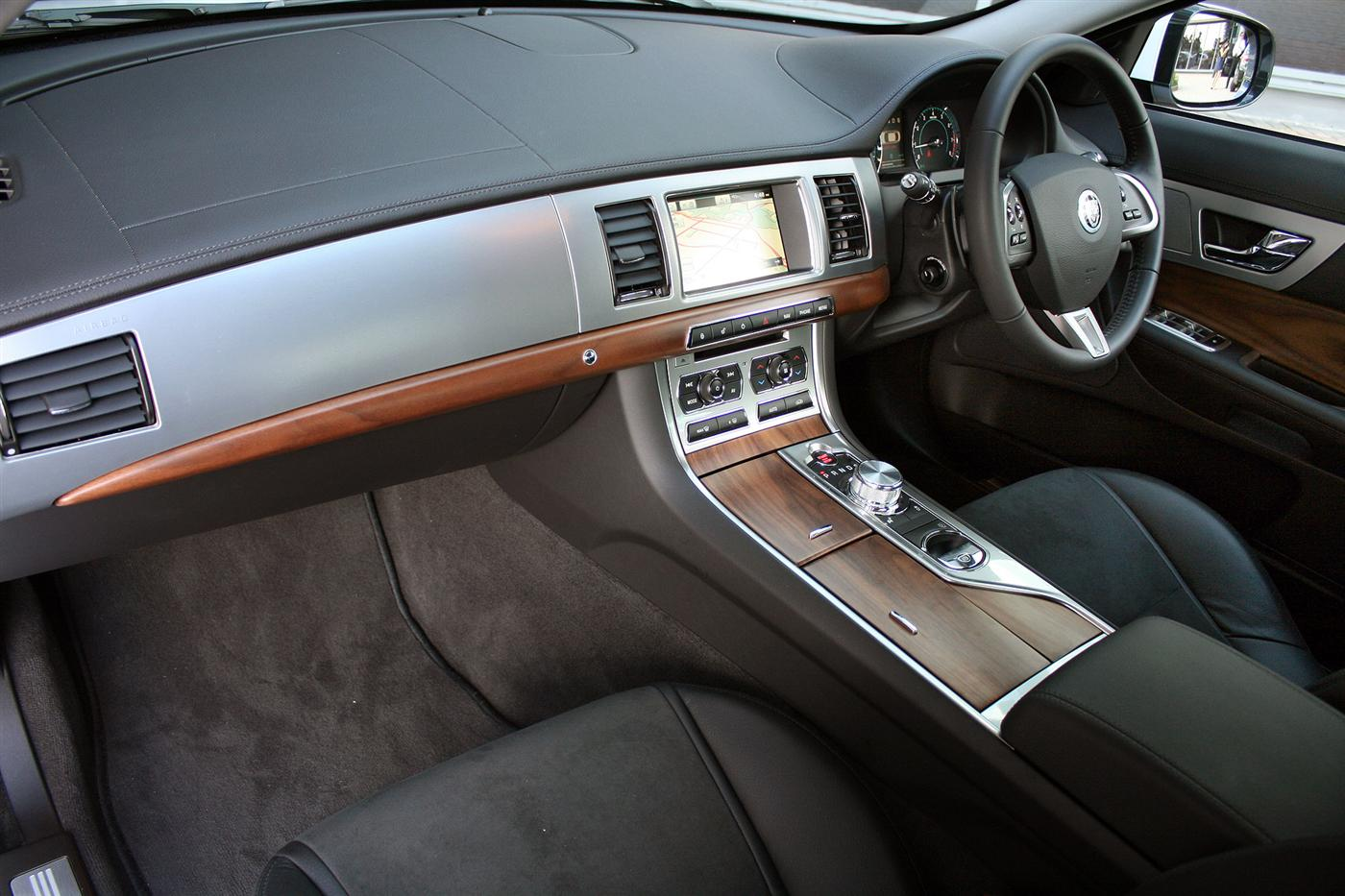 Jaguar XQ interior #4