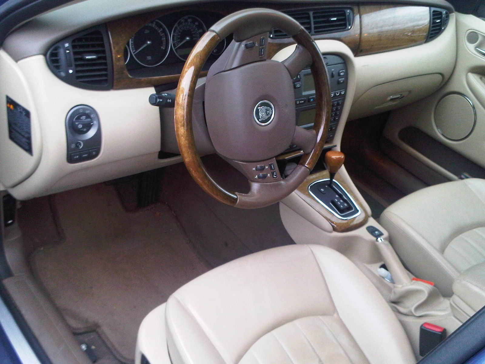 Jaguar X-Type interior #3