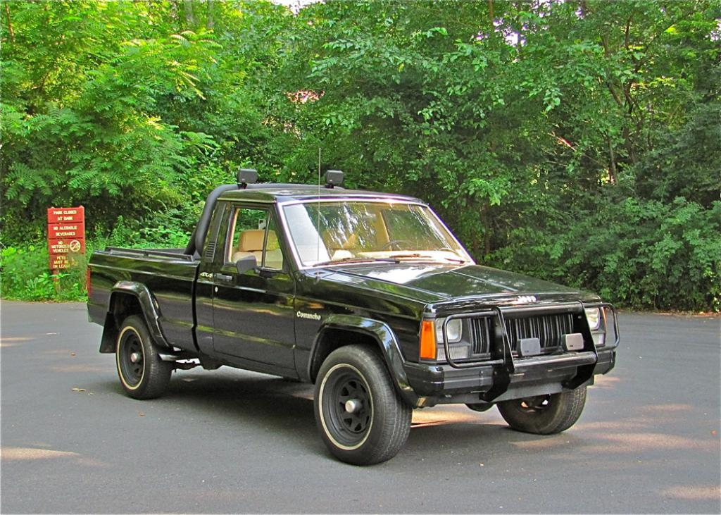 Jeep Comanche black #3