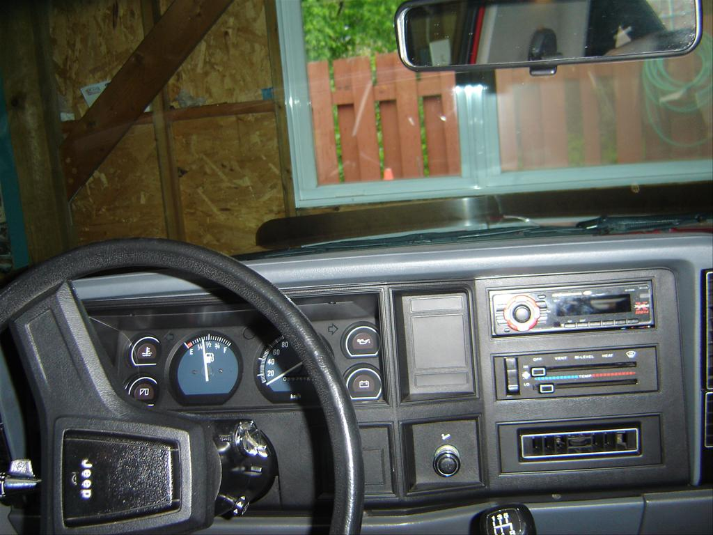 Jeep Comanche interior #3