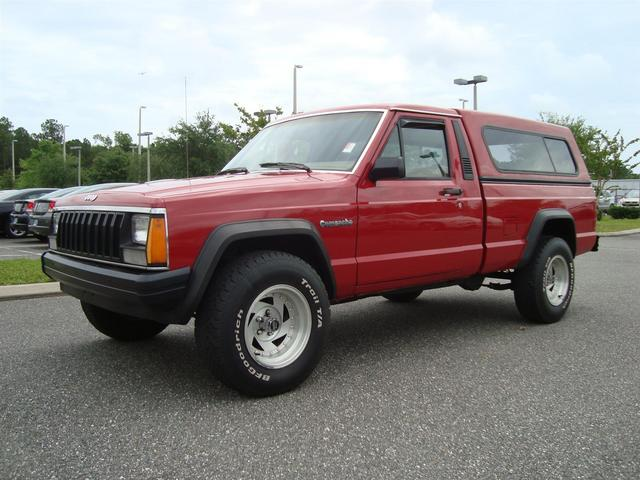 Jeep Comanche red #3