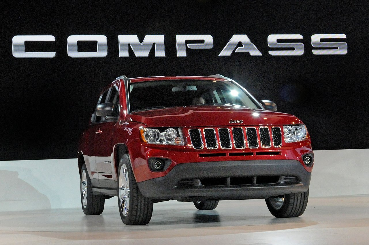 Jeep Compass red #4