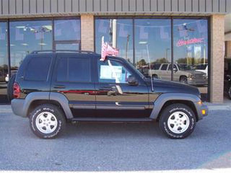 Jeep Liberty black #4