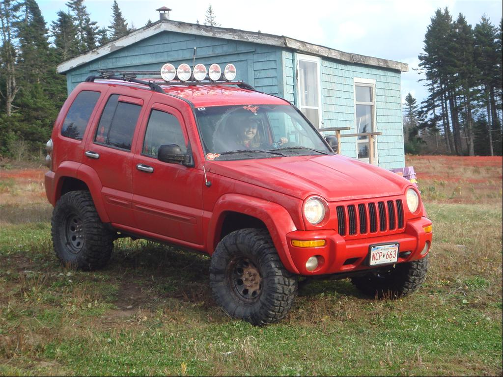 Jeep Liberty red #2