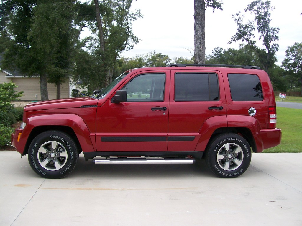 Jeep Liberty red #1
